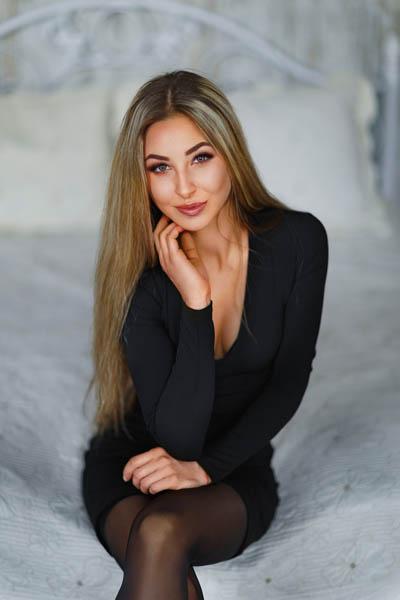 Angelina, Ukraine bride for romantic