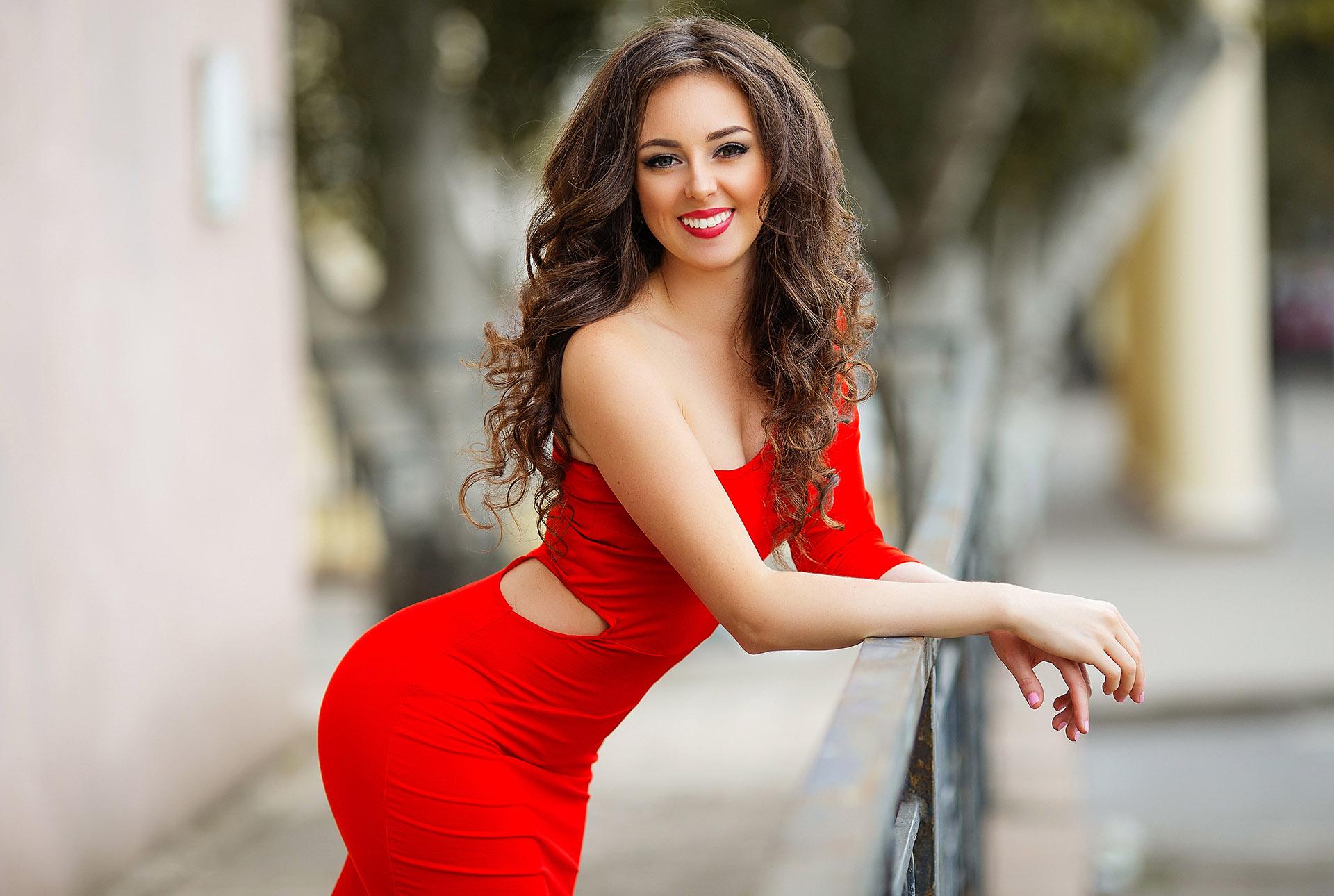 Alina, Ukraine bride for romantic