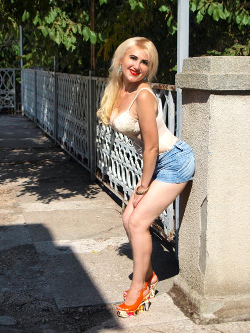 Juliya, Ukraine bride for romantic