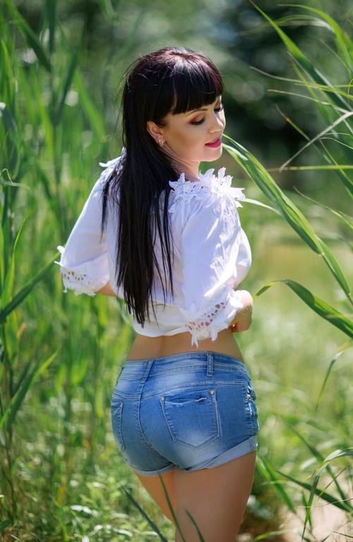 Liliya, Ukraine bride for romantic