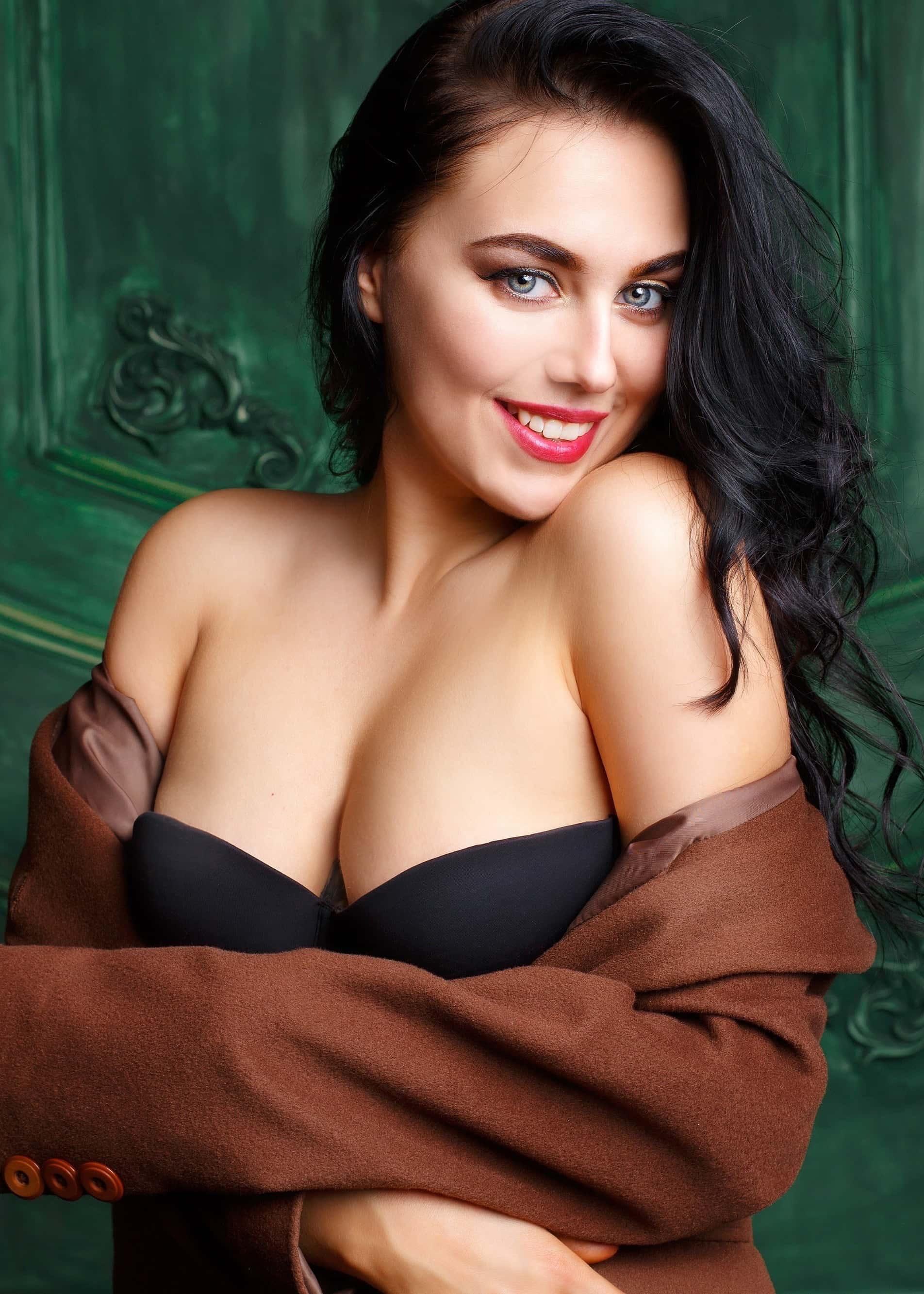 Anna, Ukraine bride for romantic